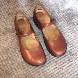 Dansko Mary Jane Natural Leather Color Sz 7
